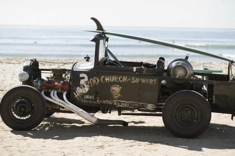 http://theartdirector.co.uk/files/gimgs/th-46_Brians Hot Rod 097.jpg
